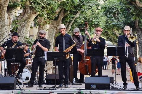 Fenals de Música: Men in Swing. Lloret Outdoor Summer Festival