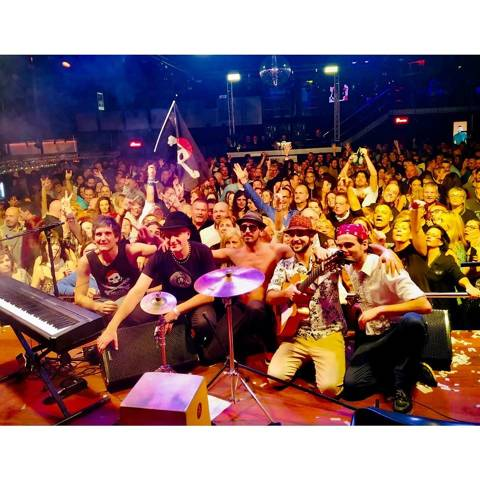 Lloret Outdoor Summer Festival: Piratas Rumbversions
